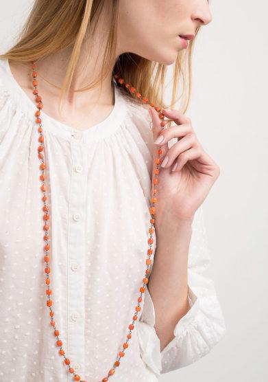 Collana rosario in argento brunito e corallo