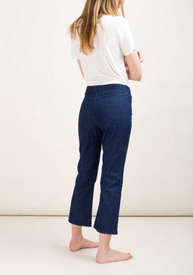 Jeans sartoriale con personalizzazione nei dettagli