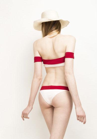 Top bikini off-the-shoulder