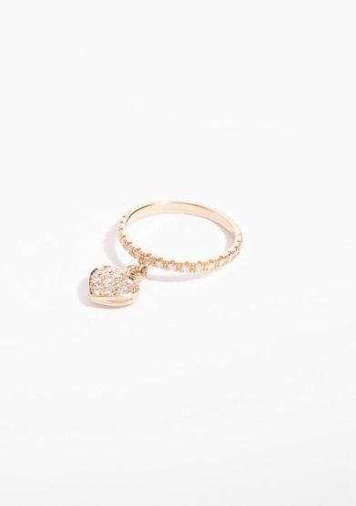 Anello in oro rosa con ciondolo a cuore