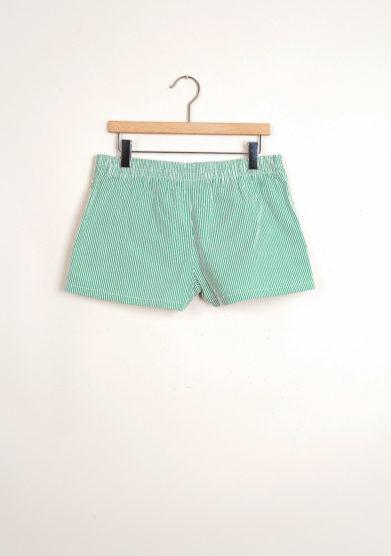 Bermuda shorts da mare a righe verdi goffrate