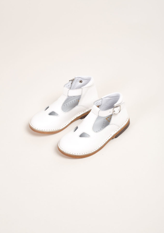 Sandali alti due occhi in pelle bianca
