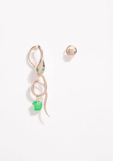 Orecchini asimmetrici in oro rosa e smeraldi