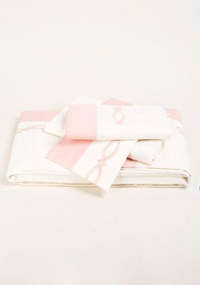 Completo letto in puro cotone con ricamo treccia rosa