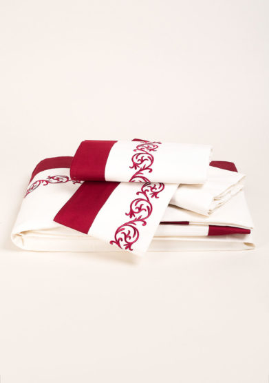 Completo letto in puro cotone con ricamo disegno