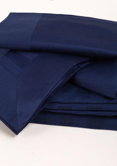 Completo letto in raso di cotone blu