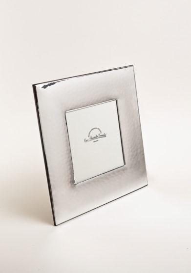 Cornice portafoto quadrata in argento a fascia martellata