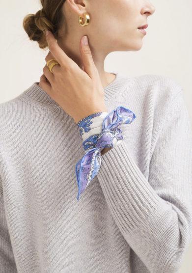 Foulard in seta con stampa paisley lilla