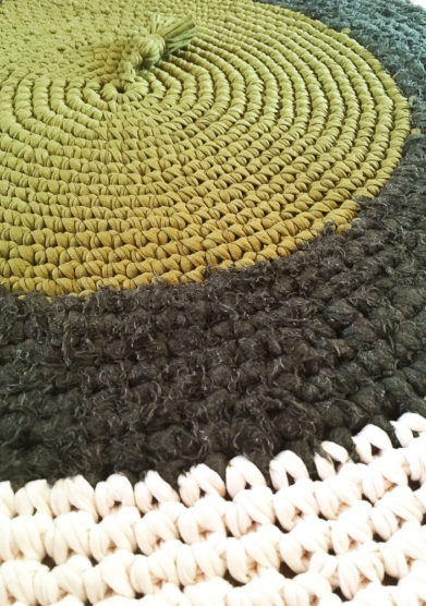 Tappeto tondo army green in cotone riciclato
