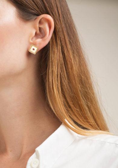ANSUINI - Orecchini a rombo in oro con rubini
