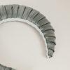 BLUETIFUL - Cerchietto in raso di cotone salvia