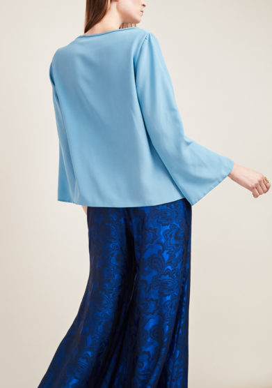VIRTUOSA MUSE - Powder blue crêpe de chine blouse