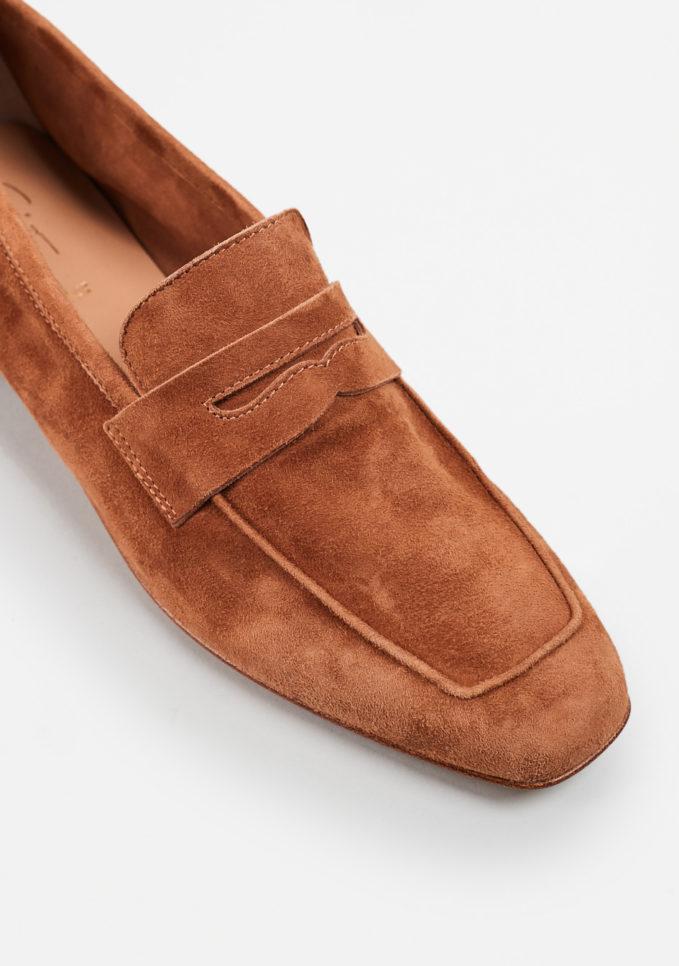 SITÓN - Brown suede loafers