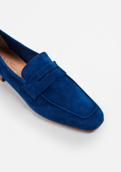SITÓN - Electric blue suede loafers