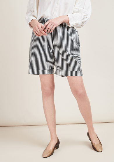 MATTA E GOLDONI - Black and white striped shorts