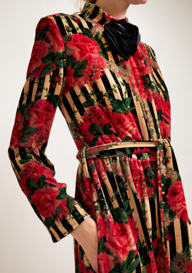 LORETTA CAPONI - Striped and flower patterned velvet robe