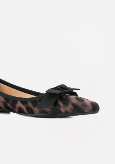 ANNA BAIGUERA - Leopard pointed pump with gros grain bow