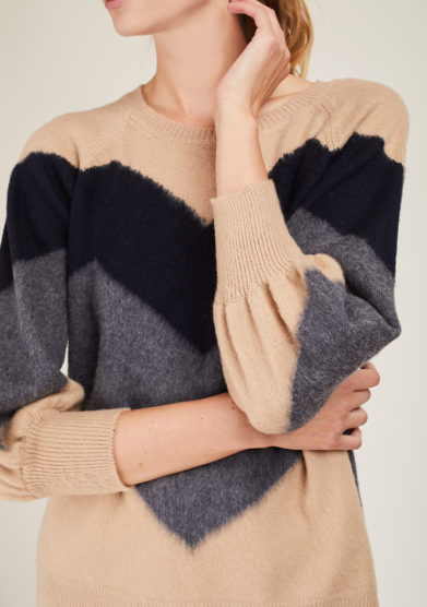 ARCHIVIO B - Short beige pullover with blue and grey zig zag inlay