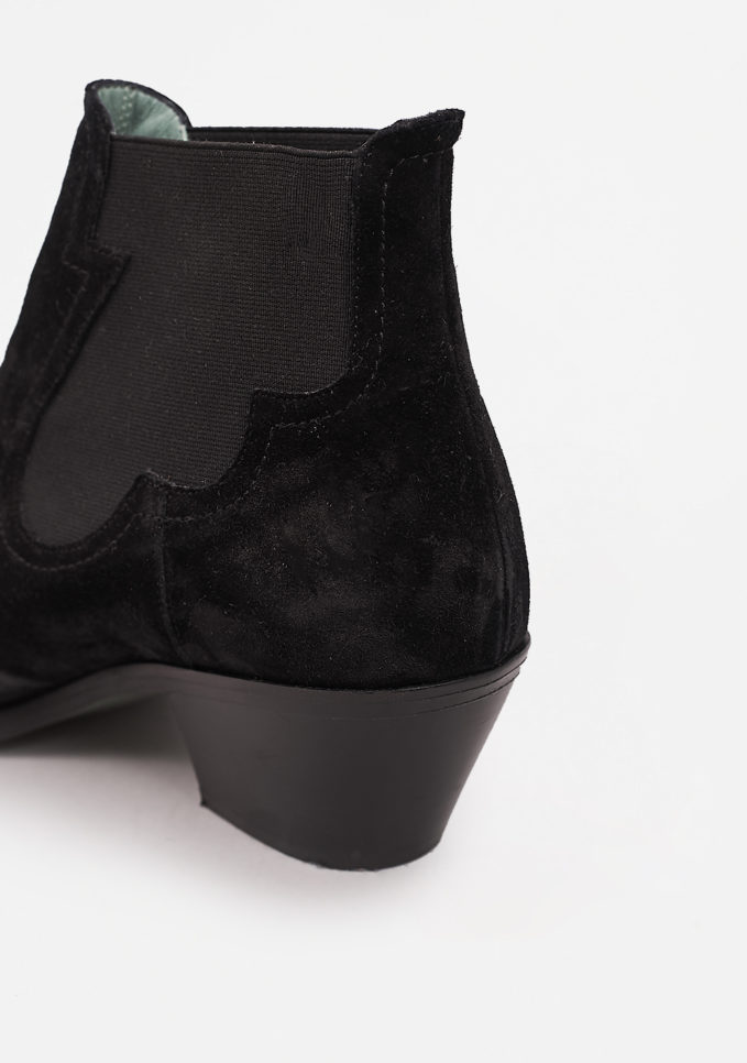 PAOLA D'ARCANO - Pointed ankle boots