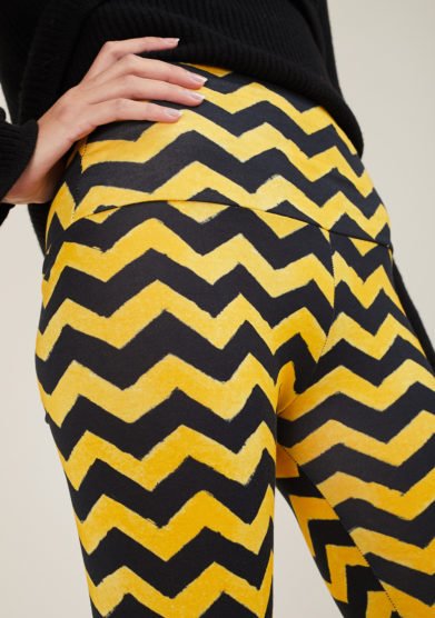 FREI UND APPLE - Mumbai yellow and black frei chevron printed leggings