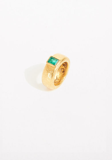 CREPUNDIA - Pure gold engagement ring with emerald