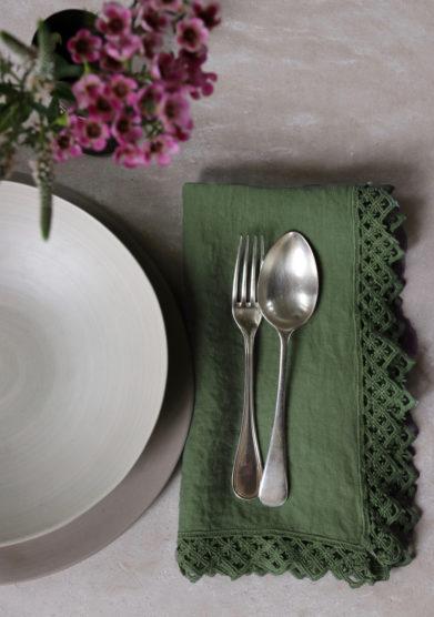 ONCE MILANO - Sequoia green napkin with macramè