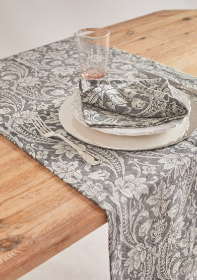 BUSATTI - Black donna di coppe table runner
