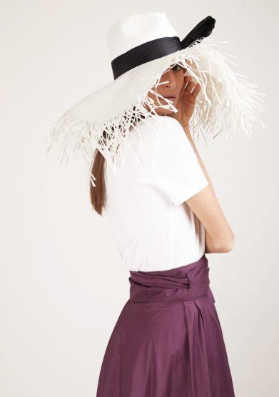 Cappello parasole bianco Ely b hats con piuma nera