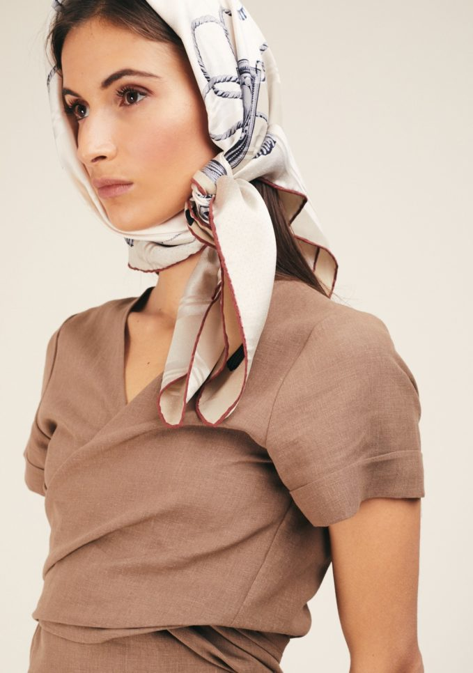 Mantero foulard beige seta classic carré zebre