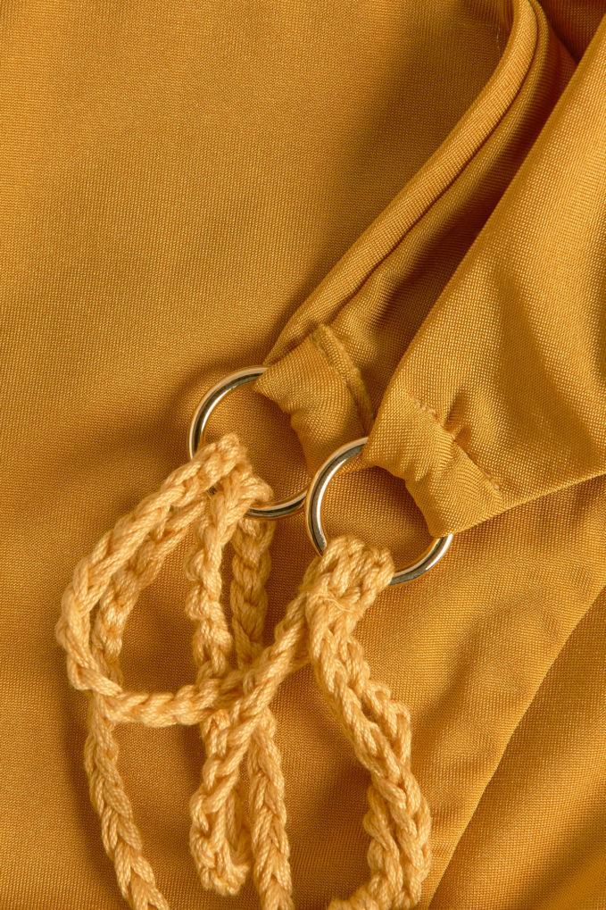 Slip alba bolamì laccetti senape crochet