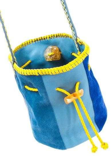 Iacobella secchiello reversibile nirmala pelle e suede blu giallo