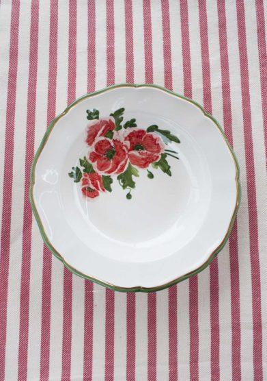 Il borro piatto fondo ceramiche San Marco con fiori rossi