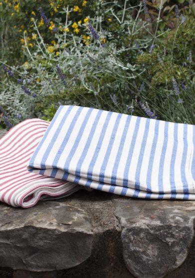 Il borro tovaglia busatti righe blu in lino e cotone front