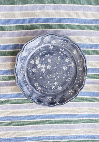Il borro piatto dessert ceramiche san marco blu fiori bianchi
