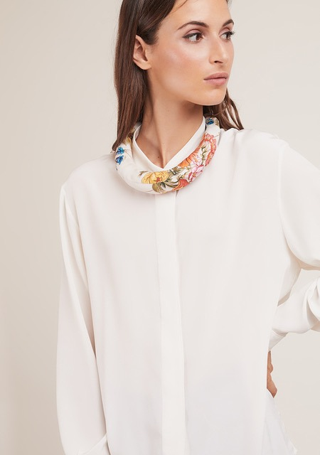MANTERO 1902 + BLUETIFUL MILANO The Silk Road Tiara indossato cerchietto seta foulard