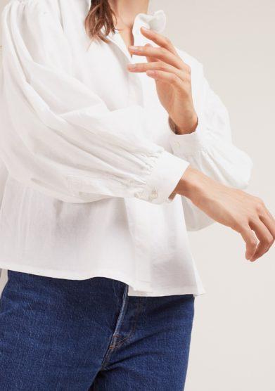 camicia bianca con maniche ampie quollezione