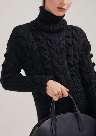 16R romina caponi abito lana crochet nero collo alto
