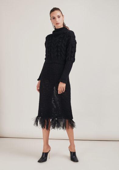 16R romina caponi abito maglia crochet nero piume struzzo