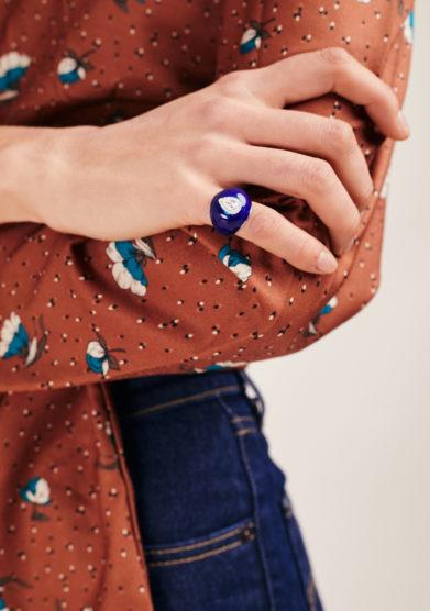 Isabì isabella pangrazi anello mignolo smaltato in oro e diamante taglio goccia blu