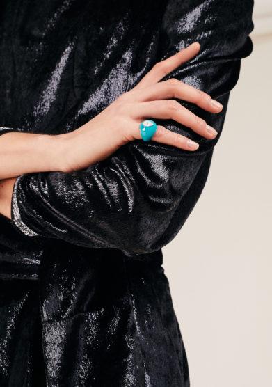 isabella pangrazi anello isabì mignolo smaltato in oro e diamante taglio goccia