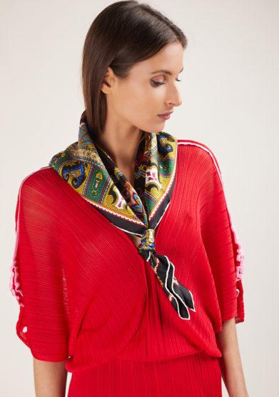Serà fine silk foulard in seta madame butterfly fondo nero