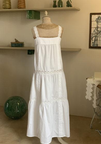 Verdura resort abito cotone bianco con spalline uncinetto