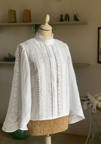 Verdura resort camicia lino manica ampia e merletti