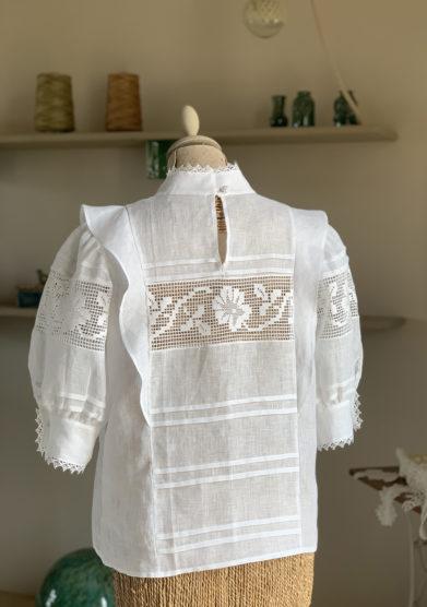 Verdura resort camicia lino manica sbuffo e crochet centrale
