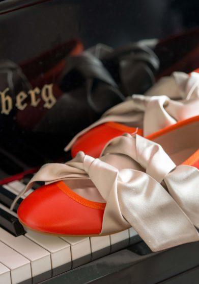bow ballerina in pelle arancio Grand hotel tremezzo