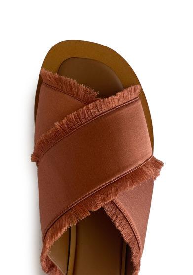 sandali madrague in raso sfrangiato ruggine ambleme