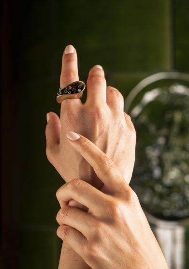 anello In & Out Arriga gioielli cristallo resort