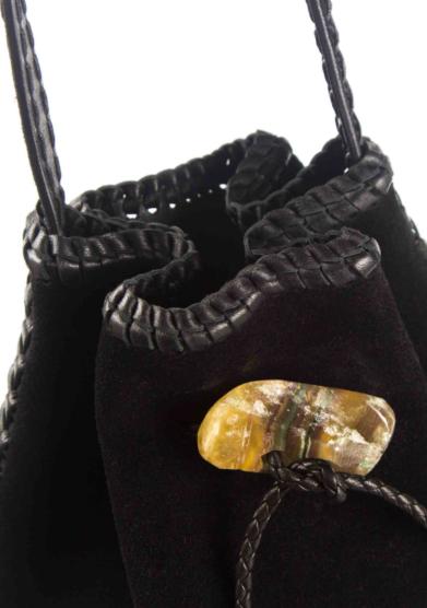 Iacobella borsa secchiello Nirmala in suede nero